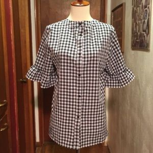 Tops - 🎉Button up blouse